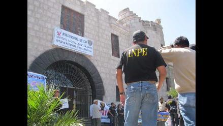 Arequipa: Detienen a mujer que intentó ingresar droga a penal