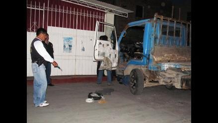 Arequipa: Hallan 30 cartuchos de dinamita y mecha lenta en camión