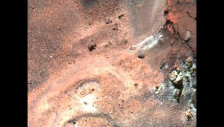 Hallan hoyos en Marte que podrían guiar en la búsqueda de vida