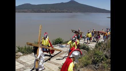 Más de 3 mil indígenas vivieron recreación del viacrucis en México