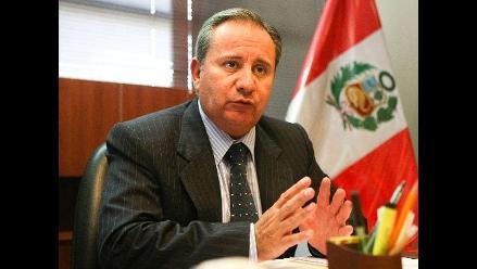 Primera encuesta de peruanos residentes en el extranjero inició Cancillería
