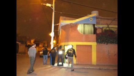 Arequipa: Liberan a detenidos por realizar implantes estéticos a joven