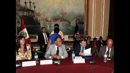 Canciller informó de avances sobre contencioso con Chile en La Haya