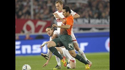 Werder Bremen con Claudio Pizarro fue goleado 4-1 por el Stuttgart