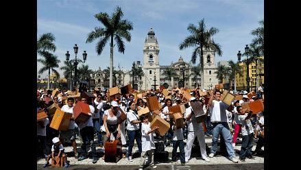 Peruanos celebran récord mundial de 1.476 ´cajoneros´ tocando en simultáneo