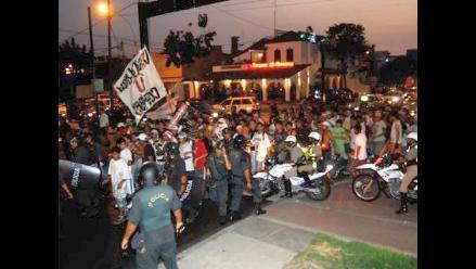 Adolescente herido de bala tras gresca entre barristas de Alianza y U