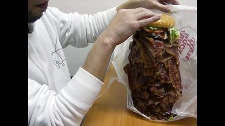 Japonés ordenó hamburguesa con 1050 rebanadas de tocino