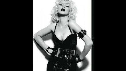Christina Aguilera desborda sensualidad en revista española