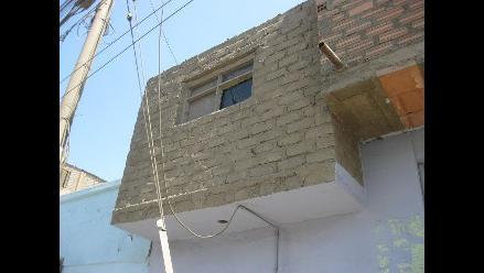 Chimbote: Niños intentan arrojarse por una ventana tras ser encerrados
