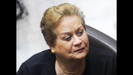 Martha Hildebrandt: ´El Perú necesita un presidente militar´