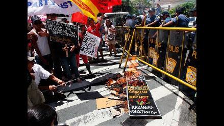 Un muerto y 39 heridos en un choque entre Policía y chabolistas en Manila