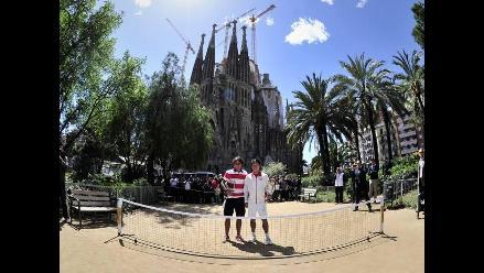 Rafael Nadal jugó tenis a los pies de una iglesia en Barcelona