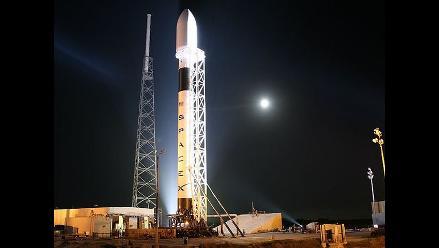 Postergan lanzamiento del cohete Falcon 9