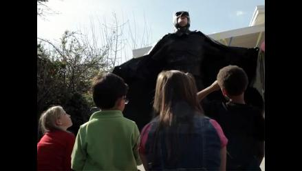 Una parodia del nuevo Batman en una fiesta infantil
