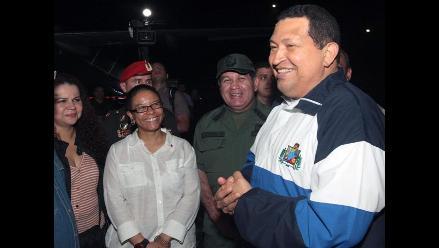 Chávez regresa a Venezuela tras 11 días de radioterapia en Cuba