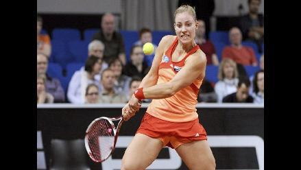 Bellas tenistas Caroline Wozniacki y Marion Bartoli caen en Stuttgart