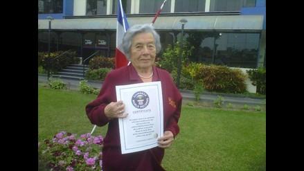 Obstetriz peruana es reconocida por los Récord Guinness