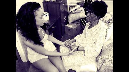 Chris Brown lamenta la muerte de la abuela de Rihanna