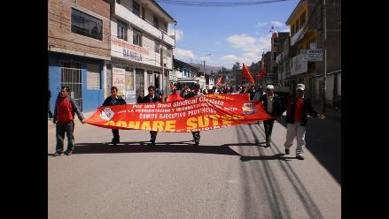 Andahuaylas: Padres de familia exigen reinicio de clases escolares