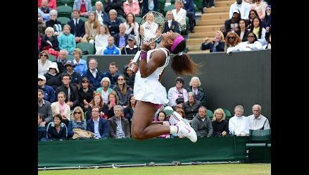 Serena Williams vence a Shvedova y pasa a cuartos en Wimbledon
