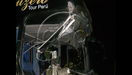 Ica: Cinco heridos deja choque frontal entre ómnibus y tráiler