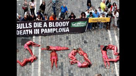 Activistas repudian las corridas de toros en España
