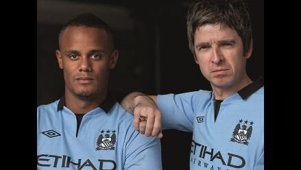 Noel Gallagher presentó la nueva camiseta del Manchester City