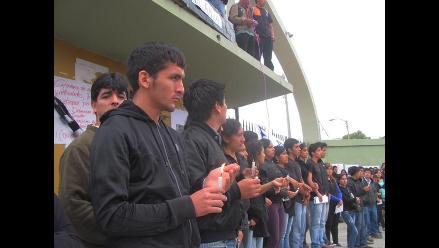 Lambayeque: Estudiantes realizan vigilia por fallecidos en Cajamarca