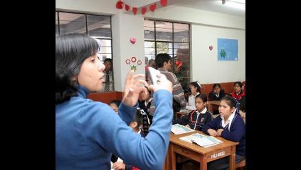 Twitter: Feliz Día del Maestro es la frase del momento en el Perú