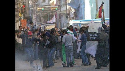 Policía boliviana reprime manifestación que defiende reserva natural