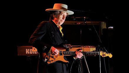 Predominan las canciones lentas en show de Bob Dylan