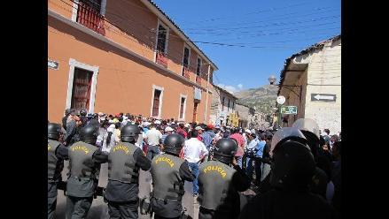 Ayacucho: Maestros toman local de Municipalidad de Huamanga