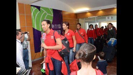 Selección peruana de voleibol llegó a México para disputar torneo