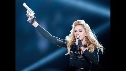 Madonna sometió a fanáticos con un arma durante concierto en Colonia