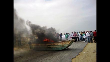 Bloquean vía hacia planta de PetroPerú en Lambayeque