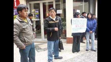 Puno: Piden solucionar suspensión de clases en Azángaro