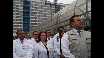 Contraloría inspeccionó hospitales Almenara y Rebagliati