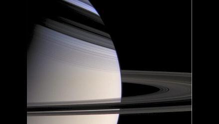 Misión Cassini-Huygens muestra los anillos y lunas de Saturno