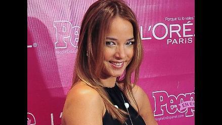 Adamari López debuta como presentadora en el programa de Telemundo