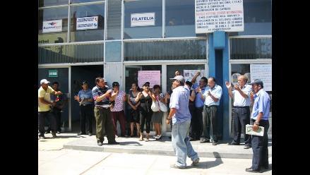 Arequipa: Trabajadores de Serpost inician huelga indefinida