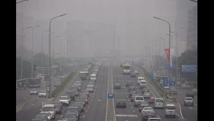 China comienza a fabricar buses híbridos con energía solar