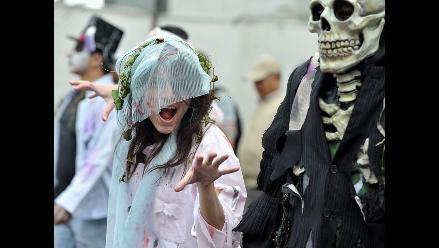 Protesta zombie para exigir la reforma del sector salud en Colombia
