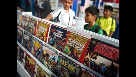 Superhéroes ganan batalla en los estantes de la Feria del Libro de Lima