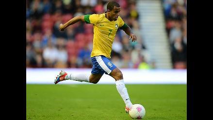 Alex Ferguson confirma interés del United por brasileño Lucas Moura