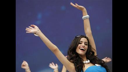 Miss Perú Giuliana Zevallos ensaya en China para el Miss Mundo