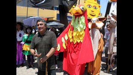 César Escuza promueve el teatro en Villa El Salvador