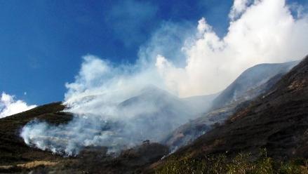 Abancay: Incendio amenaza con expandirse hasta complejo de Choquequirao