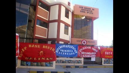 Puno: Concluyó toma de UGEL, Gobernación y municipio en Azángaro