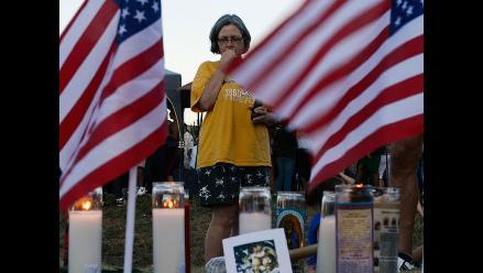 Piden endurecer venta de armas para evitar masacres como la de Denver