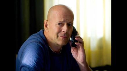 Bruce Willis molesto con sus hijas por distanciarse de Demi Moore